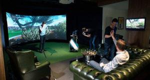 Partie de Golf au simulateur entre amis